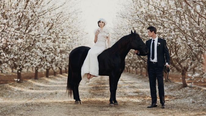 Vous voulez un mariage trendy tout en élégance? Pourquoi ne pas organiser votre mariage autour du thème bicolore noir et blanc?