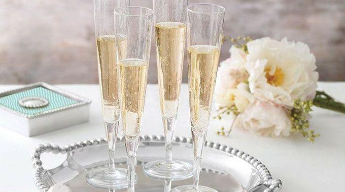 Notez le ou les prestataire(s)présents dans notre annuaire que vous avez utilisé pour l'organisation de votre mariage afin d'aider les futurs mariés à faire leurs choix.